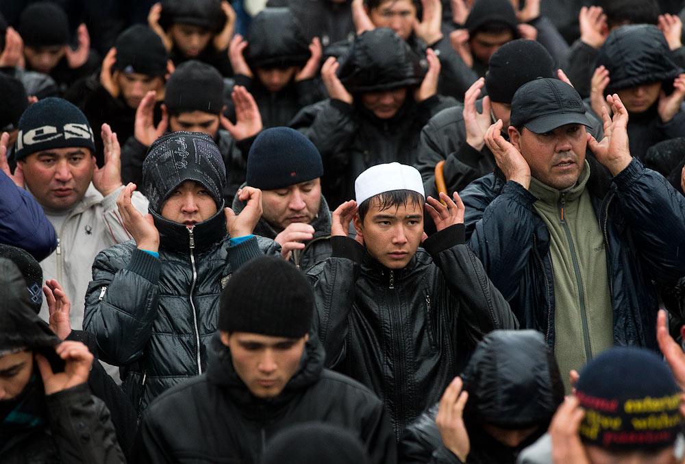 Мигранты в москве картинки