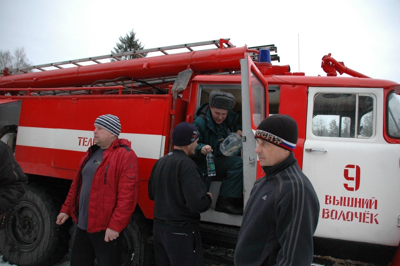 Трасса Москва - Санкт-Петербург (18 фото). транспортный коллапс, тверь, пробка.