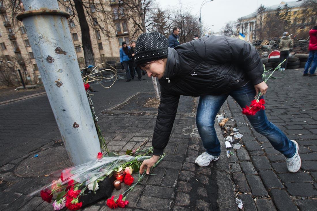 Траурное вече в память о погибших героях Небесной сотни проходит на Майдане Независимости в Киеве - Цензор.НЕТ 9951