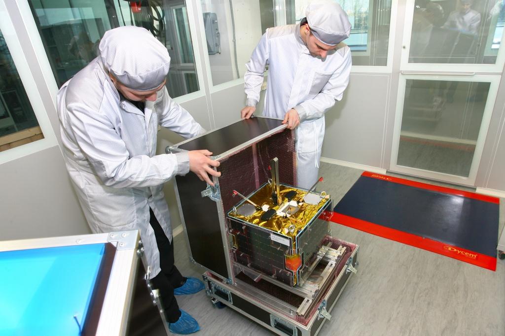 Из серии «Как это делается»: частные космические спутники