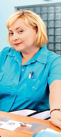 Старшая медсестра Люба