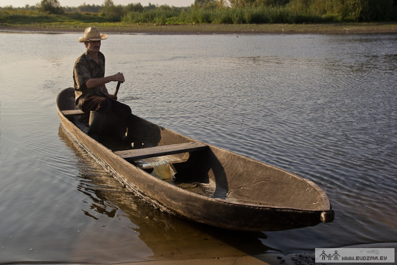 лодка из цельного дерева челны