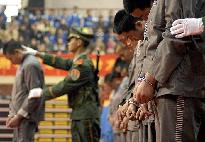 10 тысяч чиновников расстреляны в Китае по обвинению в коррупции