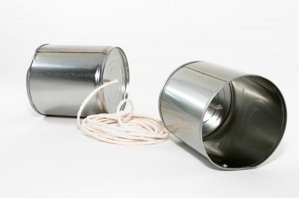 Телефон из двух консервных банок