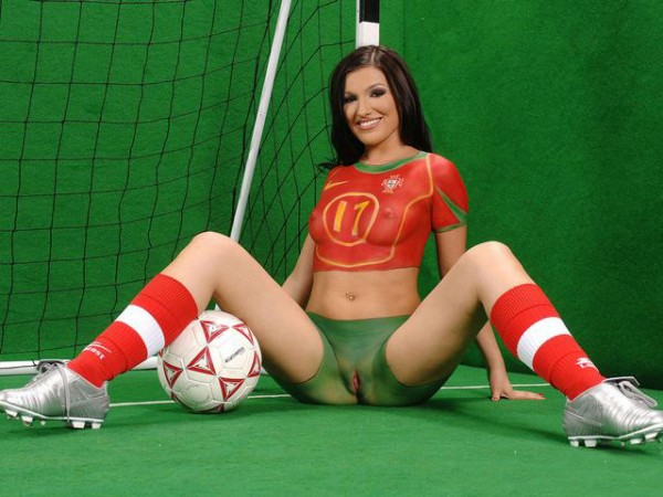 Эротическое видео фанатки футбола