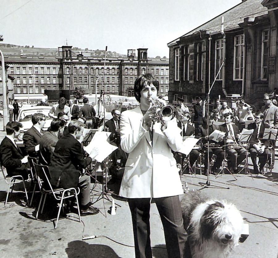 019 Пол Маккартни репетирует с оркестром, 1967