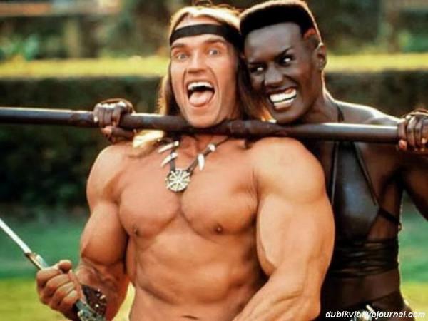 0030 Арнольд Шварценеггер  и Грейс Джонс на съемках «Конана-разрушителя»
