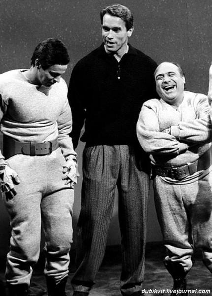 0044 Арнольд Шварценеггер и Дэнни Де Вито на съемках «Близнецов»