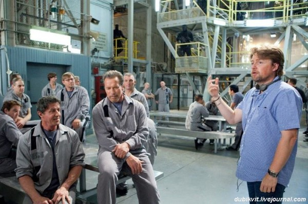 0077 Арнольд Шварценеггер и Сильвестр Сталлоне на съемках «План побега»