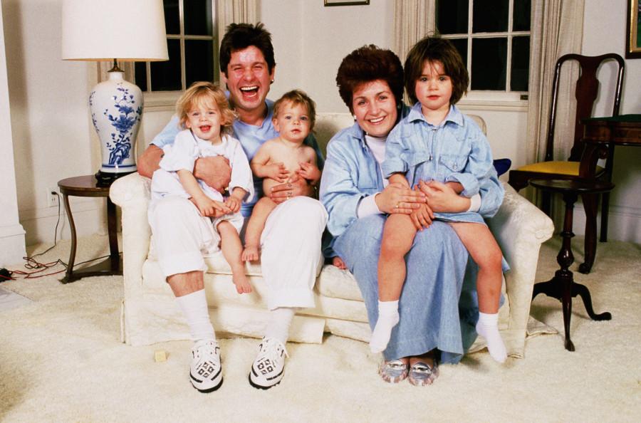 006 Оззи Осборн  со своими детишками начало 90-х