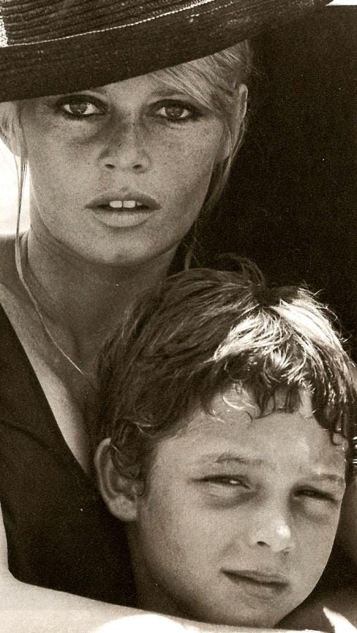 025 Брижит Бардо и ее сын. 1967