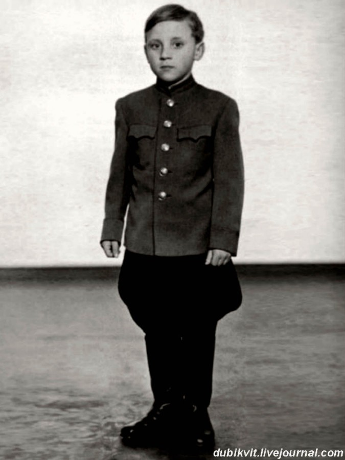 005 Володя Высоцкий в г.Эберсвальде, Германия. Фото 1947 года
