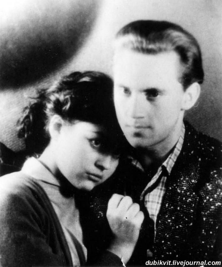 016 Аза Лихитченко и Владимир Высоцкий. Фото Москва, 1960 года