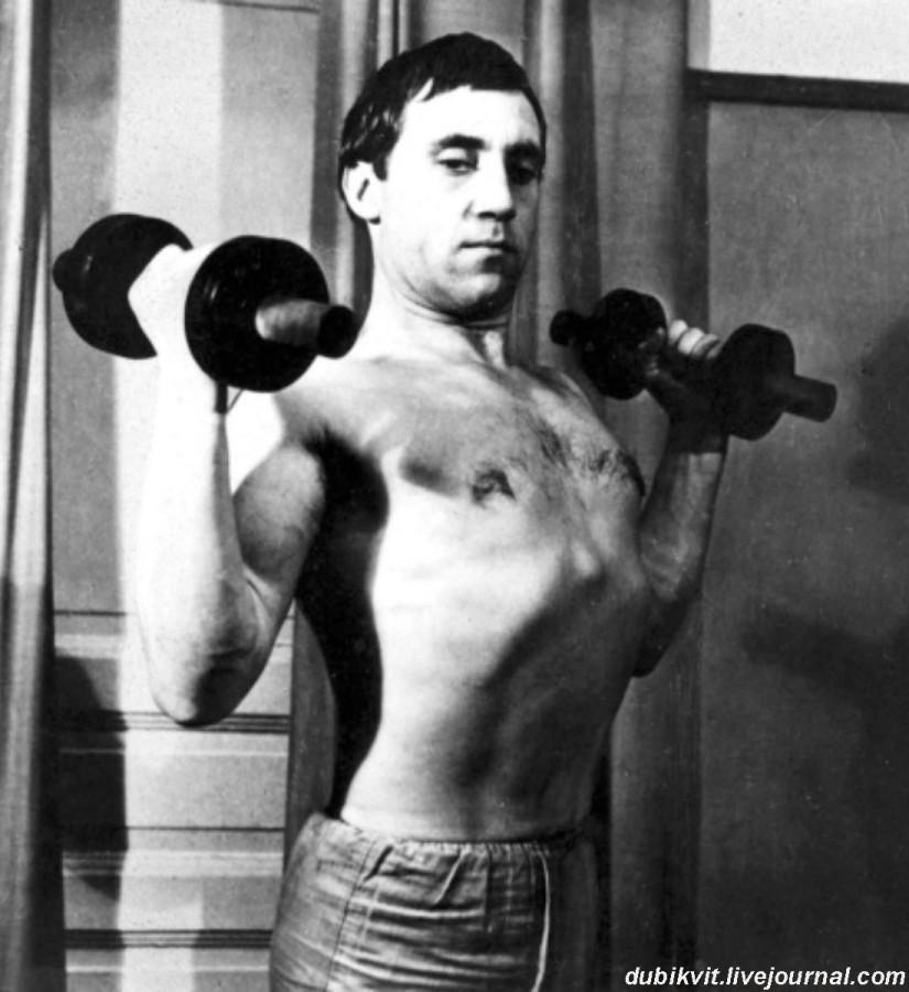 030 Владимир Высоцкий в редакции журнала «Спортивная жизнь России». Фото Д.Кричевского, 1968 год