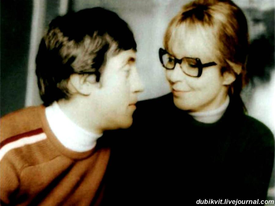 036 Владимир Высоцкий и Марина Влади в день бракосочетания. Фото Макса Леона, 1 декабря 1970 года