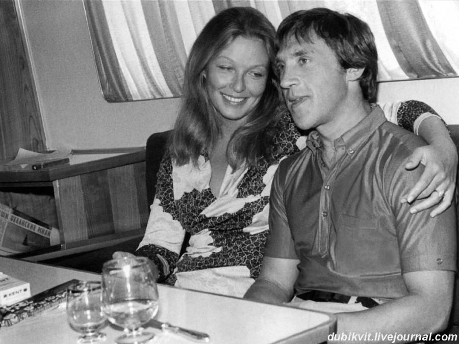 037 Марина Влади и Владимир Высоцкий на теплоходе Шота Руставели. Август 1971 года