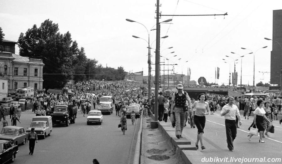078 Прощание с Владимиром Высоцким. Фото Павла Сухарева 28 июля 1980 года