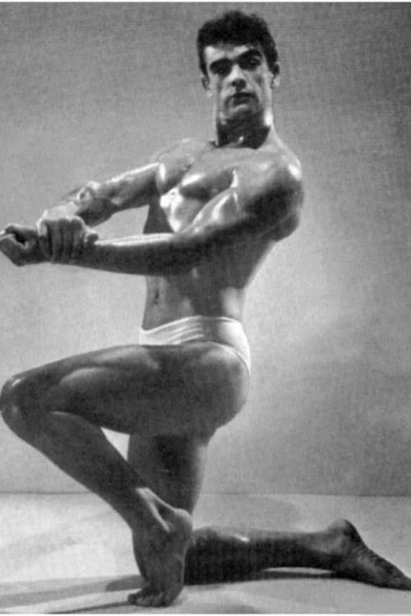 014 Культурист Шон Коннери. Фотография сделана на конкурсе бодибилдеров в 1953 году