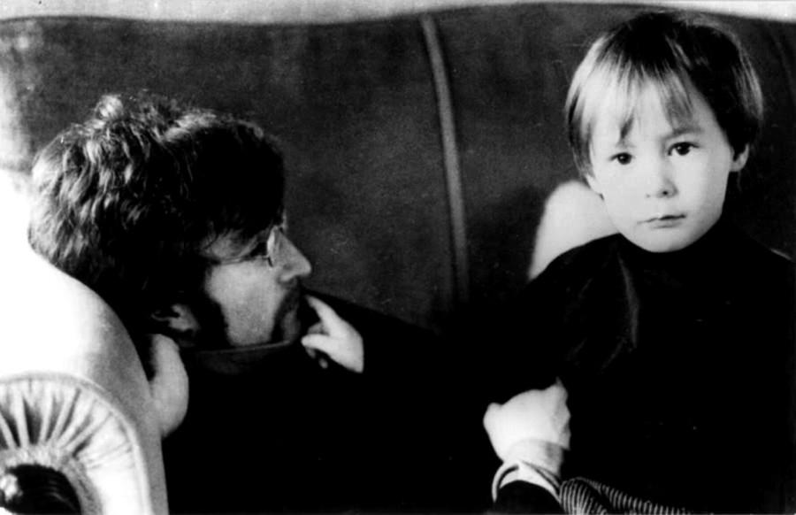 016 Джон и Джулиан Леннон, 1967