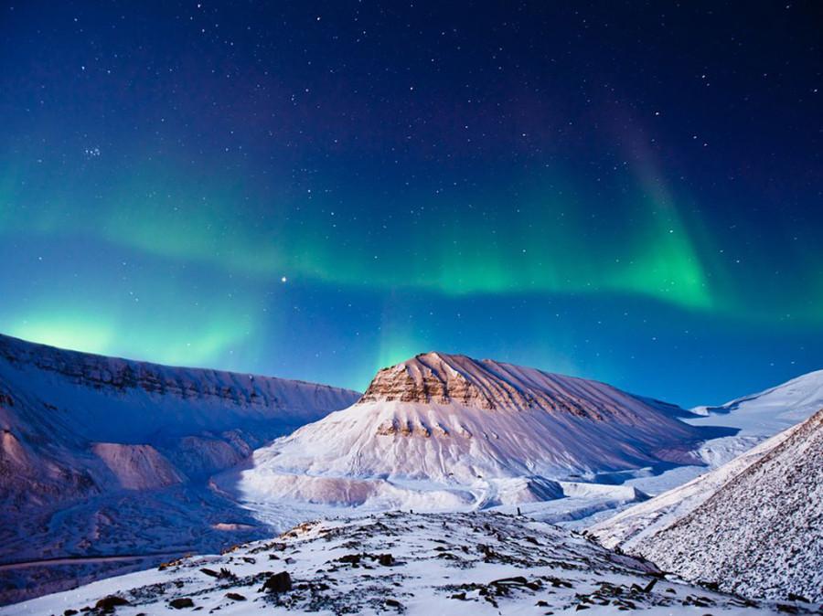 северное сияние в Свальбарде на пути к Полярному кругу