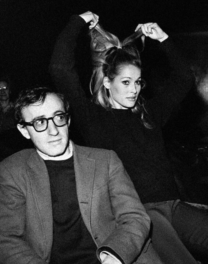 012 Вуди Аллен и Урсула Андресс, 1966