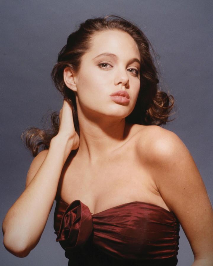 022 Angelina Jolie