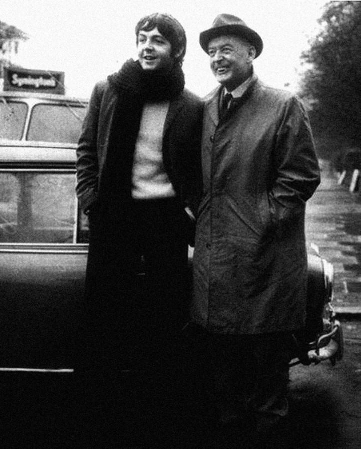 024 Пол Маккартни и его отец, Джеймс, 1967