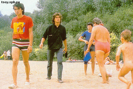 Виктор и Юра на пляже Москва-реки. 1986