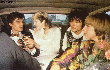 Юрий, Джоанна, Виктор и Марианна в свадебной Чайке. 1987