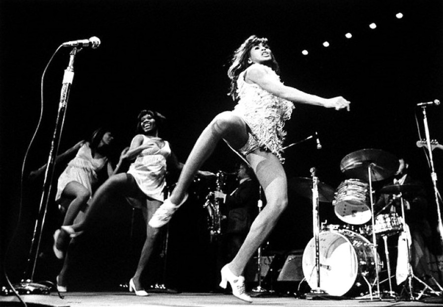 030 Tina Turner and The Ikettes dance - 1967