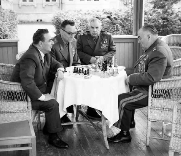 Леонид Брежнев, Маршал Гречко и Маршал Малиновский