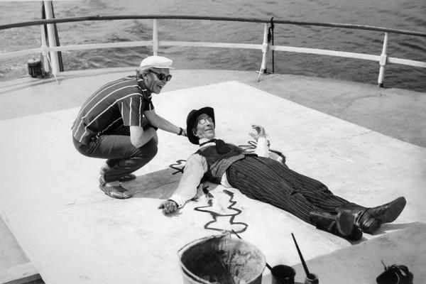 Л. Гайдай и С. Филиппов на съёмках фильма 12 стульев. Автор Гневашев Игорь, 1971
