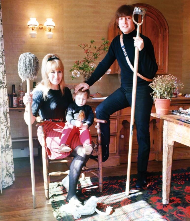 002 Семья Леннона - фото Роберт Уитакер - 1965