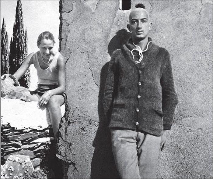 010 Сальвадор Дали в Кадакесе, 1930 год