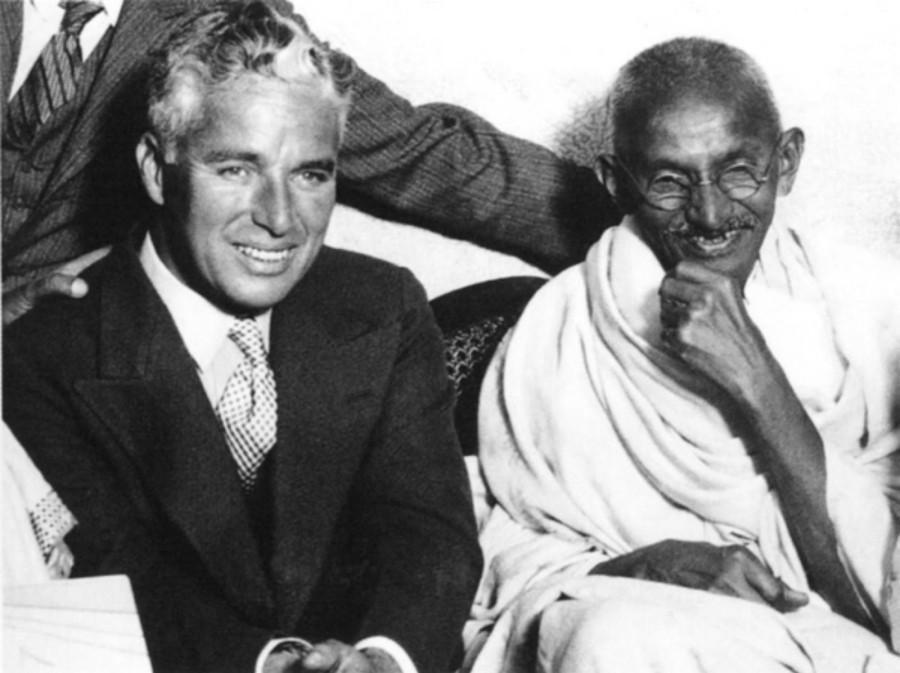 027 Чарли Чаплин и Махатма Ганди