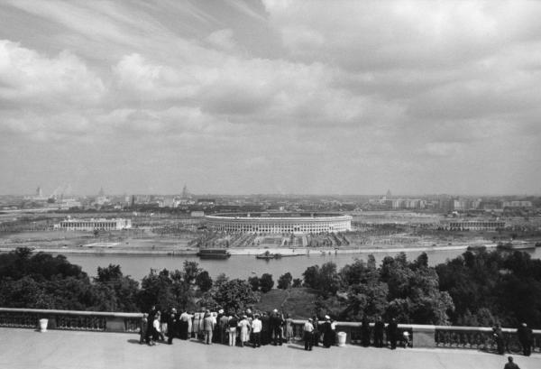 Воробьевы горы. Вид со смотровой площадки. Автор Трахман Михаил, 1970-е