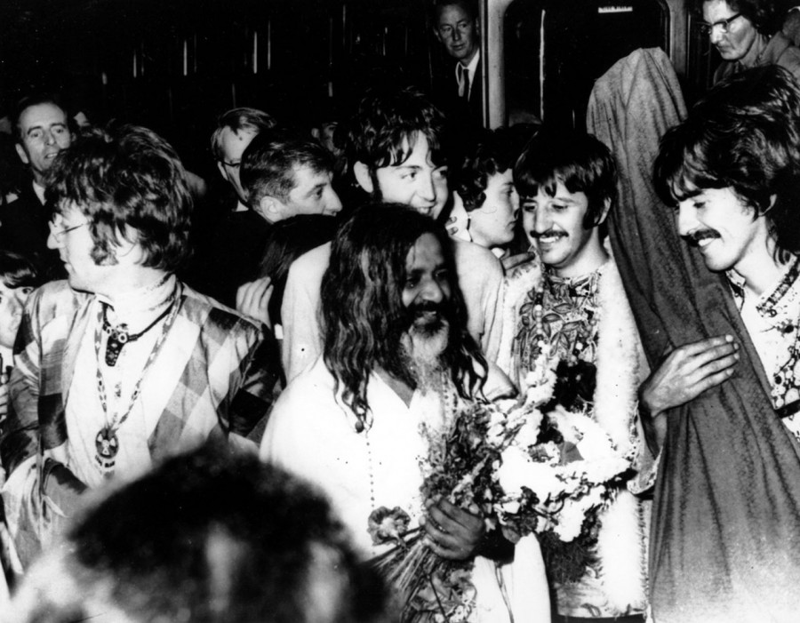 01 THE BEATLES с Махариши, 1967