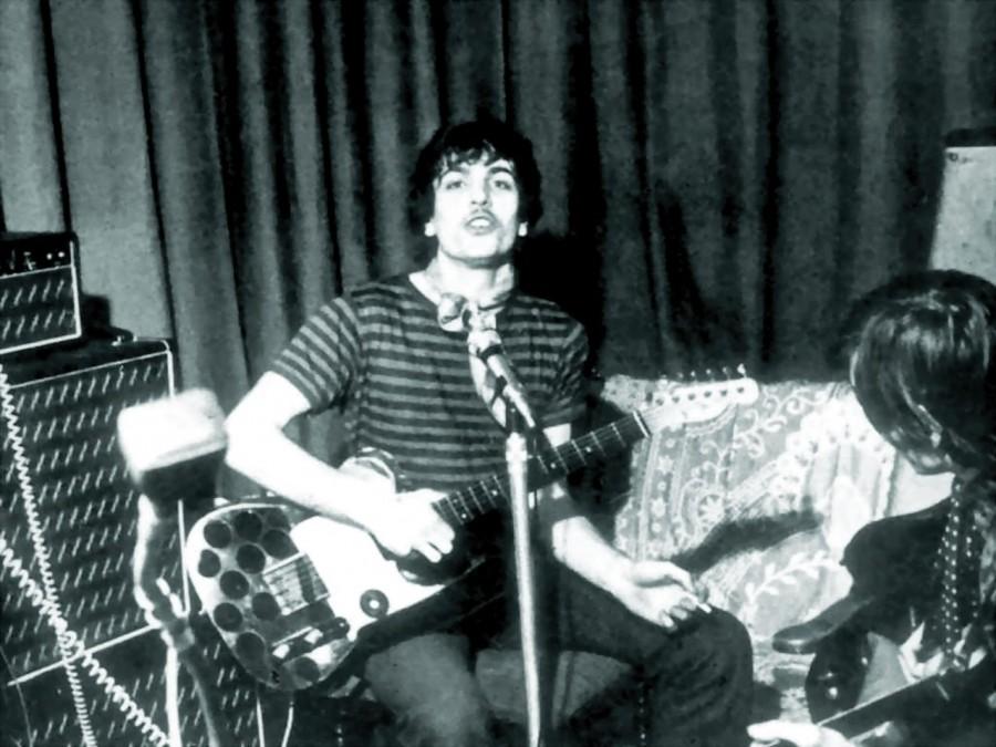 09 Pink Floyd's Sid Barrett & Roger Waters, 1967