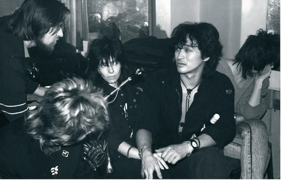 Виктор Цой на премьере фильма «АССА», 1988 год