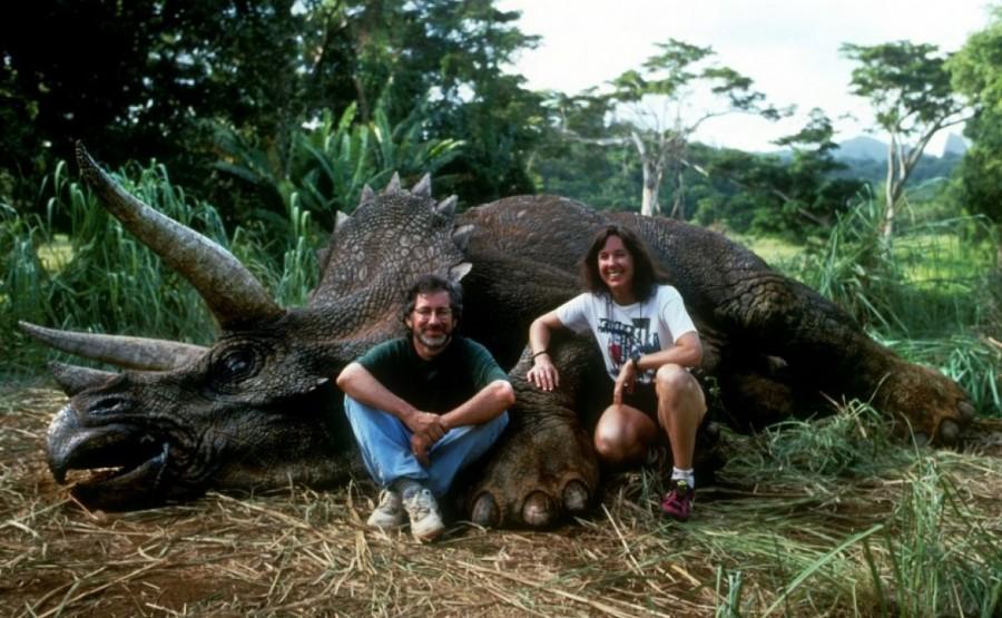 Стивен Спилберг и продюсер Кэтлин Кеннеди на Гавайях во время съемки Парк Юрского периода