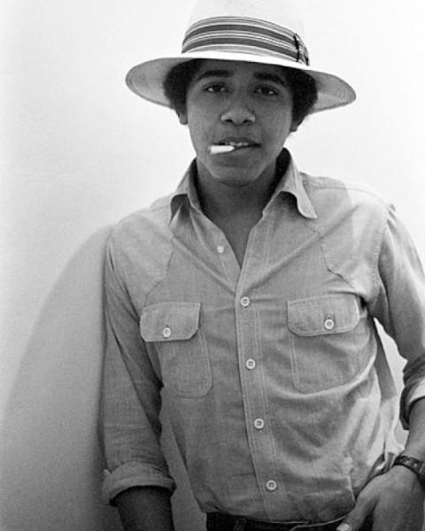 181 Барак Обама с косяком, 1980 год