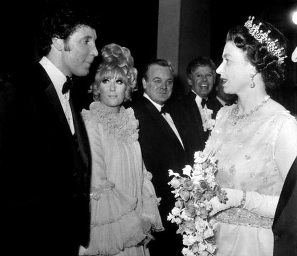 186 Том Джонс, Дасти Спрингфилд и Королева, 1968