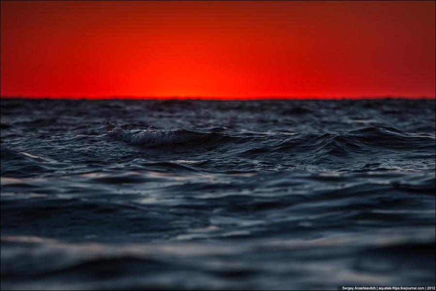 Вечернее свинцовое море