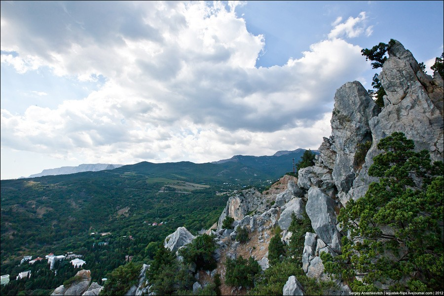 На скале Эрмиташ