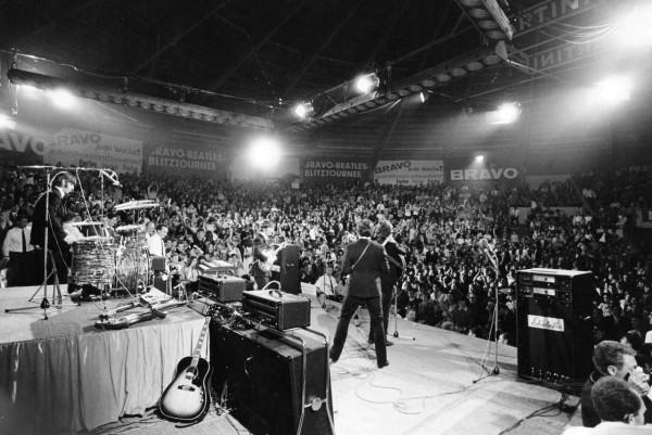 203 Концерт Битлз в Мюнхене, Германия, 1966. Фото Роджер Уитакер