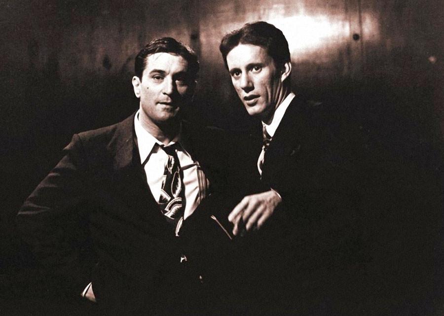 "Роберт Де Ниро и Джеймс Вудс на съёмках ""Однажды в Америке"""