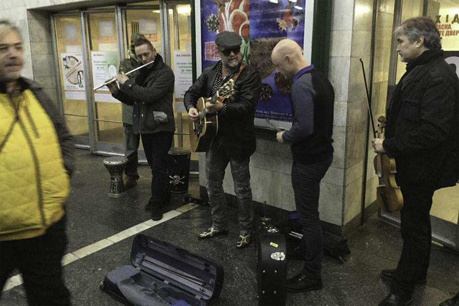 Почему Борис Гребенщиков пел в подземном переходе. Продолжение