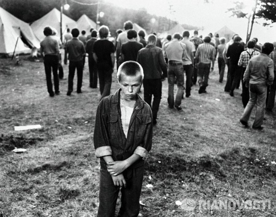 Андрей Зыков на съемках фильма Пацаны режиссера Динары Асановой, 1983