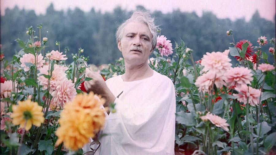 Георгий Данелия на съемках фильма «Кин-дза-дза» (1986)