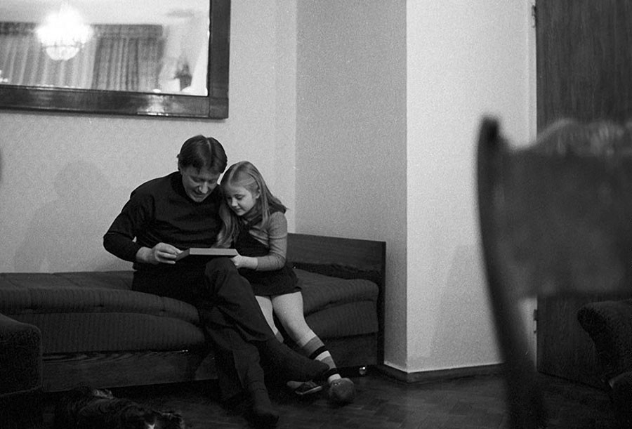 Андрей Миронов с дочерью Машей. 1980 год
